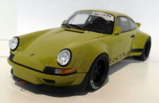 Véhicules miniatures verts GTspirit Porsche