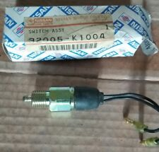 Interruttore Nissan D21 nuovo originale 32005k1004