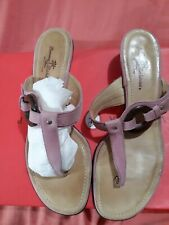 Beatiful Tommy Bahama shoes 81/2 M Pink Leather. Made in Italy.