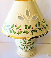 Winterberry Wax Candle Lamp