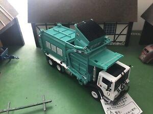 KDW Transporter Garbage Truck Model 1/24 Diecast Alloy Vehicle Car Model Toys