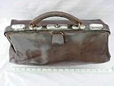 OLD THICK LEATHER LINED GLADSTONE DOCTORS BAG GOOD STRONG HANDLE & FIXINGS VGC