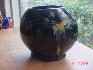 RARE ANTIQUE BLACK GLASS VASE BY RANSBURG GLASS OF CLASS