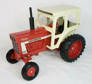 Vintage International Harvester Farmall 1066 Tractor With Cab By Ertl 1/16 Scale