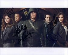 Stephen Amell and ARROW Cast  W/ COA signed 8x10 autograph photo