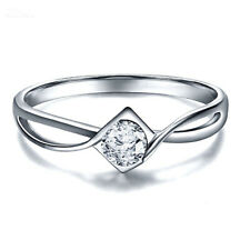 Engagement Ring In 14k White Gold Over Solitaire Round Shape .90 Ct Vvs1 Diamond