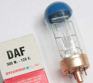 DAF 120 Volt 300 Watt Bulb 120V 300W Specialty Lamp Sylvania - NEW L24