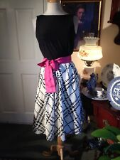 LILLY PULITZER BELTED FIT AND FLARED DRESS-SIZE2-BLACK TOP, WHITE & BLACK SKIRT!