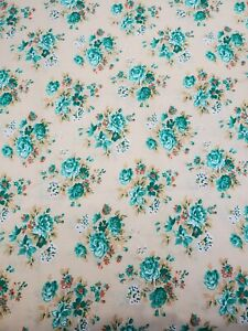 """1/2 Yd GREEN RUST WHITE FLOWERS on Tan Floral Quilting Floral 44"""" wide Cotton"""