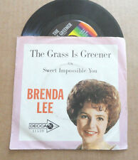 "DISQUE 45T  DE  BRENDA LEE    "" THE GRASS IS GREENER "" PRESSAGE U.S.A."