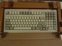 NEW IN BOX-CHERRY D-91275 MY-1800 Mechanical Keyboard-G81-1800LPAUS/05--PC/PS2