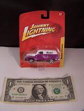 Johnny Lightning 1950 Chevy Panel Truck Hoosier Racing Team # 8 - Purple -  2010