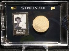 2020 THE BAR PIECES OF THE PAST ROBERTO CLEMENTE STAMP / 1950'S MODEL BAT RELIC
