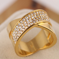 Michael Kors Swarovski Quartz Crystal Pave Gold Criss Cross Band Ring Size 7