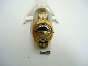 VINTAGE  MENS  TIMEX  AUTOMATIC  WATCH  DATED  1970 s.
