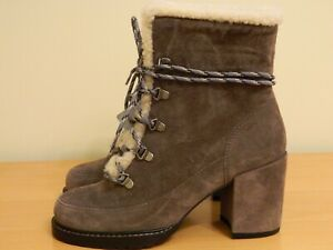 New in the Box Stuart Weitzman winter boots size 6.5