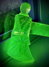 Vintage Vaseline Uranium Boyd Glass Tomahawk