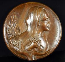 Signé L Boucher Vierge Marie médaillon religieux haut relief Virgin Maria 30 cm