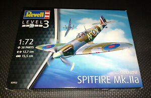 Revell 1:72 Supermarine Spitfire MK.IIa Skill Level 3 - 03953 Plastic Model Kit