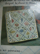 """Vtg Htf Louise A. Chrimes Wool Crewel Embroidery Kit Floral Pillow Cover 12"""""""
