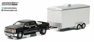 1:64 GreenLight *HITCH & TOW* BLACK 2015 Silverado w/WHITE Enclosed Car Trailer