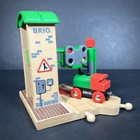 BRIO Genuine Signal Station 33674 With Train Wooden Track Accessories Buildings