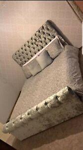new year Stylish Design Sleigh Upholstered Chesterfield in Crushed Velvet Bed