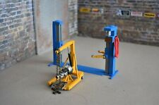 1/24  Car lift, Engine Hoist, Tranny & Dolly, Diorama Shop Austins Garage