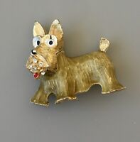Adorable  vintage  Scottie dog brooch in enamel on gold tone metal
