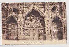 """CPA """" AMIENS - Les Trois Porches"""