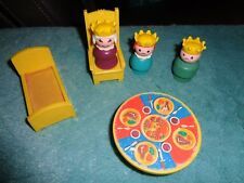 Fisher Price Little People Vintage Wood Castle Prince & Princes -Queen & Etc 993