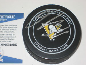 OLLI MAATTA Signed Official Pittsburgh PENGUINS GAME Puck w/ Beckett COA