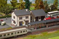 FALLER H0 190422 Ensemble de gare Malberg Dimensions: 440x140x150 mm