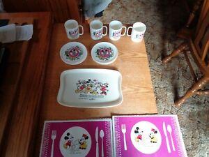 Vintage 1970s 15 Pc Walt Disney Mickey Mouse Club Plastic Child,s Tea Set