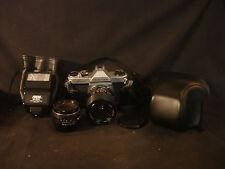 Asahi K1000 Pentax #881039 Camera With Lens Focal M-200 Electronic Flash Unit