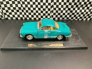 Road Legends 1966 Volkswagen Karmann Ghia Coupe - Green - 1:18 Diecast Boxed