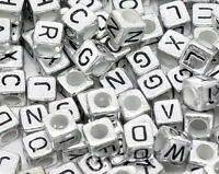 "New: 500 Silbergrau Acryl Buchstaben ""A-Z"" Würfel Spacer Perlen Beads 6x6mm"