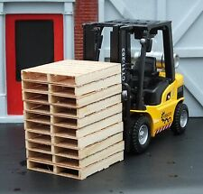 Forklift w 10 Premium Custom Dual Slat Pallets 1/24 Scale G Diorama Accessories