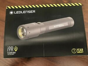 LEDLENSER i9R Flashlight
