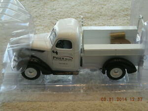 49-0306 1938 International Prier Bros. D-2 Utility Truck NEW IN BOX