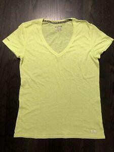 Under Armour UA Heat Gear Women's Medium Fitted V-Neck T-Shirt Bright Yellow EUC