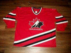 VINTAGE TEAM CANADA HOCKEY JERSEY CCM MASKA SIZE XXL (56) KNIT, GREAT CONDITION