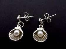 A PAIR OF CUTE LITTLE TIBETAN SILVER SHELL & PEARL POST EARRINGS. NEW.
