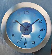 Funkwanduhr mit automatischer Beleuchtung Lichtsensor Funk Wand Uhr Funkuhr