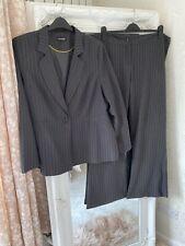 Ladies Charcoal Grey Stripe 2 Piece Trouser Formal Work Suit Size 22.