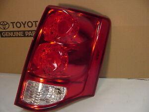 11-20 Dodge Grand Caravan Right Rear Tail Light w/ Led (has damage)  05182534 AD