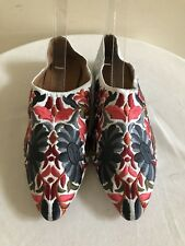 NWOB JEFFREY CAMPBELL 'Vijay' White Satin Embroidered Flats Shoes, Size 9