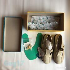 Para mujeres Zapatos Beige Crema de Cuero Easy B con las extensiones de Barra de plantillas, tamaño 8 Fit 6E