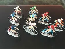 PELOTON de 9 Coureurs cyclistes tour de france  1/32  miniatures alu