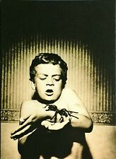 # 2.998 - Boy holding spider / The Shipyard / photonica - Edgarkarte Edgarcard